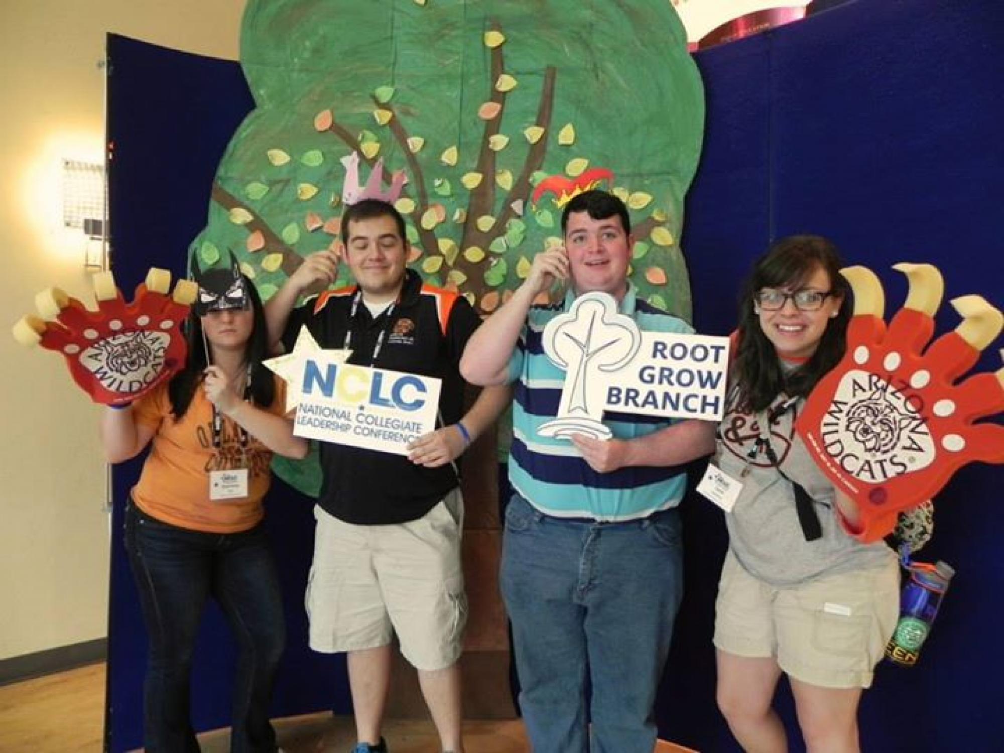 Students were called to write messages and notes about leadership on the conference tree.