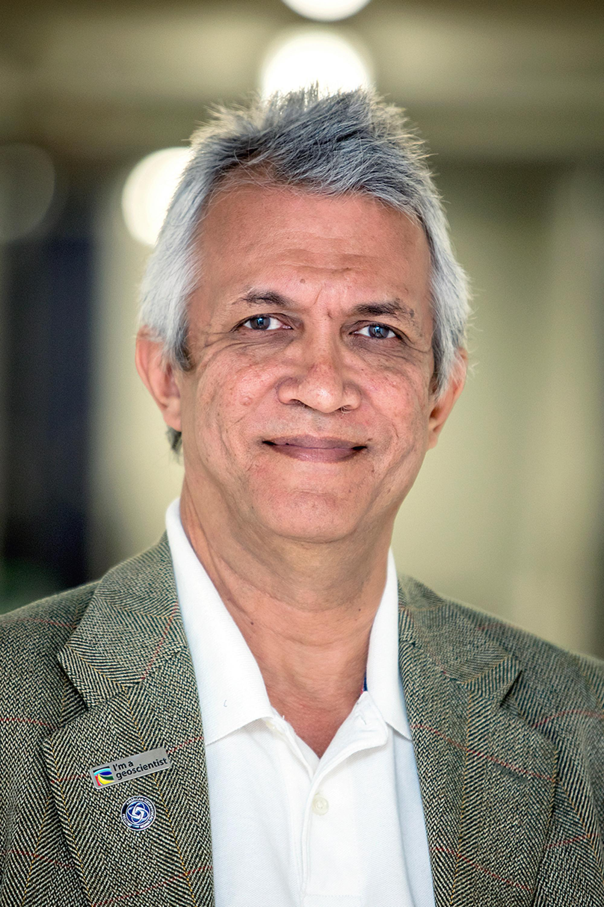 Hoshin Gupta's work is highly recognized nationally and internationally. Also, Gupta's excellence in the classroom, both at the graduate and undergraduate level, has been acknowledged through numerous teaching awards.