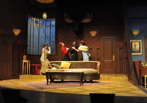 The play takes place in 1934 in a hotel suite located in Cleveland.