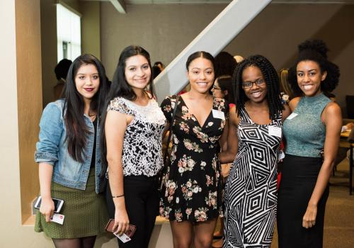 Alumni clubs help to strengthening the bridge between the UA and its graduates, all while raising funds for scholarships that support current students.
