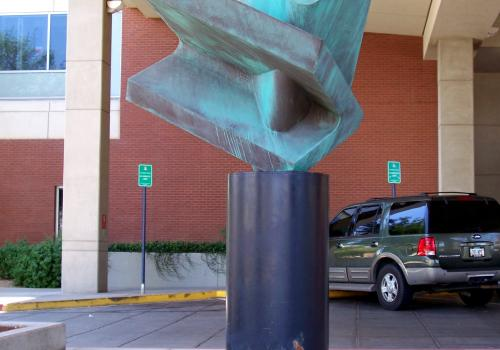 """""""Courage,"""" by Gary Slater, is at the Arizona Cancer Center."""