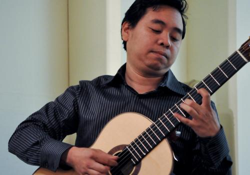 A Fulbright scholar of the Philippines, Ivar Fojas hopes to start a guitar program in his country to encourage young talents and bring sounds of the guitar into his society.