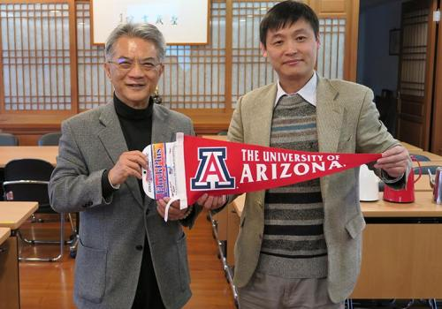 UA Center for Buddhist Studies director Jiang Wu  visited the Taiwan Sheng Yen Education Foundation in March.