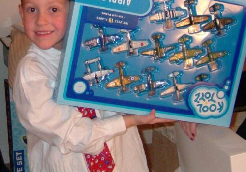 Spartz's love of aviation was fostered at an early age by his grandfather, who frequently gave him toy planes as presents.