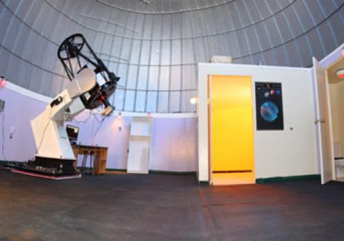 A 24-inch telescope was installed in the newly remodeled dome at the Mount Lemmon Sky Center in April.