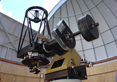 The 20-inch John Jamieson Telescope is equipped with a state-of-the-art 256 x 256 mercury-cadmium-tellurium infrared detector array.  That's the same kind of infrared detector array that UA scientists developed for the infrared camera flying on the H