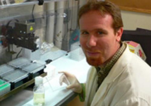 Matthew Sullivan's lab is equipped to discover and study entire communities of marine viruses and their microbial hosts with high-throughput genomic sequencing tools.