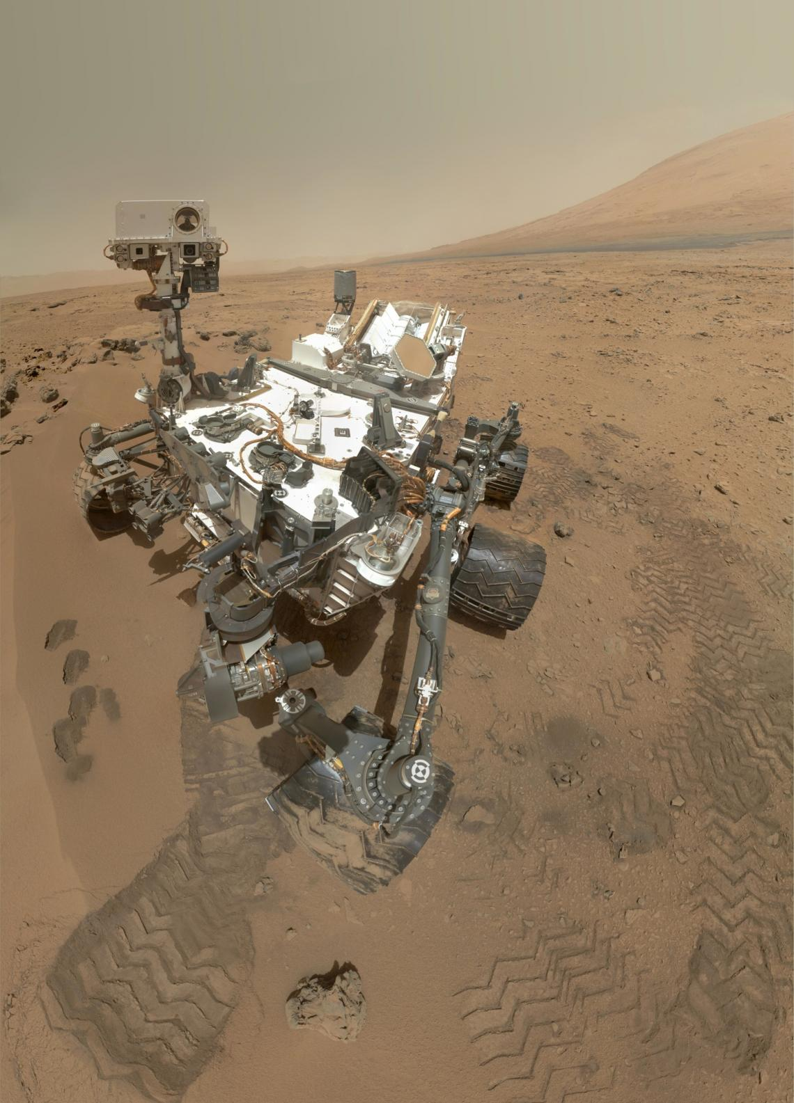 Mounted on a rover like NASA's Curiosity, the Astrobiological Imager could someday help identify promising spots to search for traces of life. Unlike existing imagers, the prototype developed by the UA-led team can photograph things close up and far away.