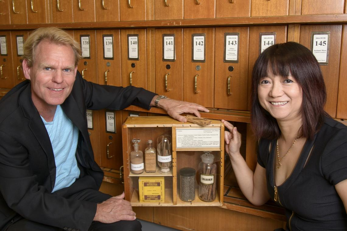 Georg Wondrak and Donna Zhang of the College of Pharmacy are members of the UA Cancer Center.