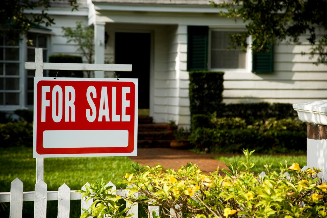 Should You Buy or Sell a House During the Pandemic? | University of Arizona  News