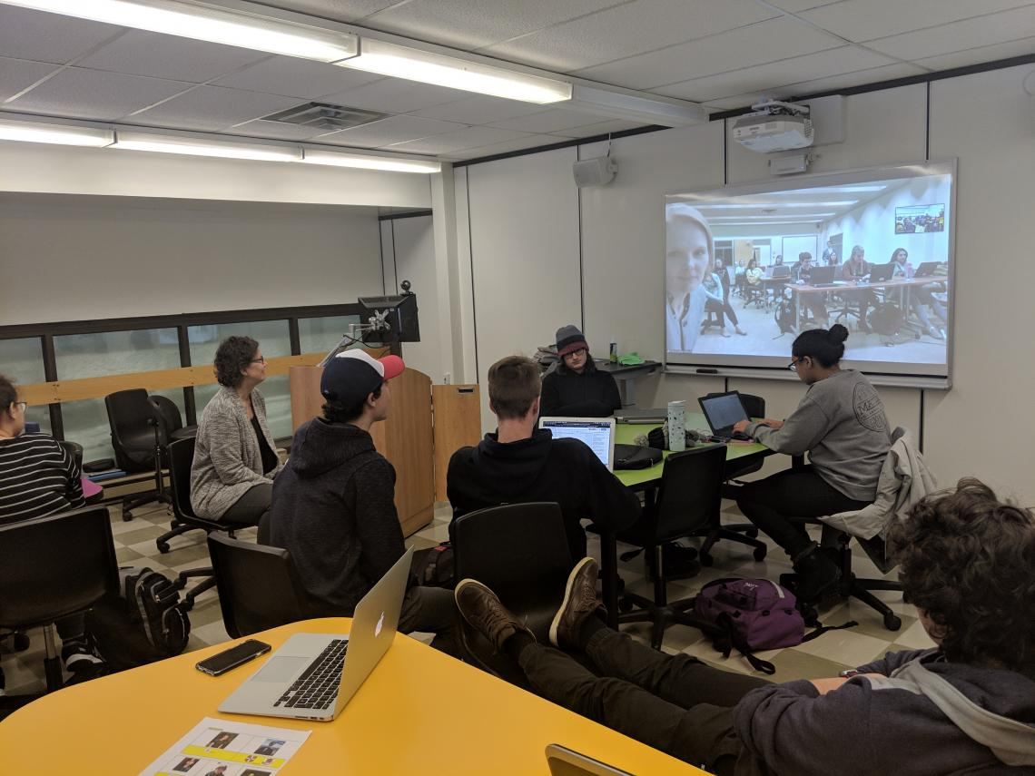 Humanities students at Cégep de Sept-Îles in Québec videoconference with French students at the University of Arizona in Tucson.