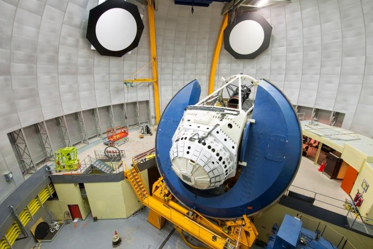 Cámara de energía oscura en el telescopio Blanco de 4 metros del Observatorio Interamericano Cerro Tololo en Chile