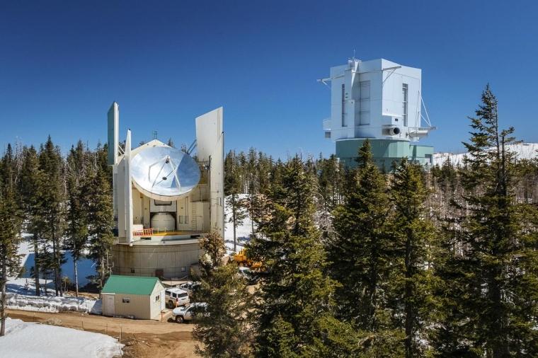 UArizona ARO Submillimeter Telescope on Mt. Graham